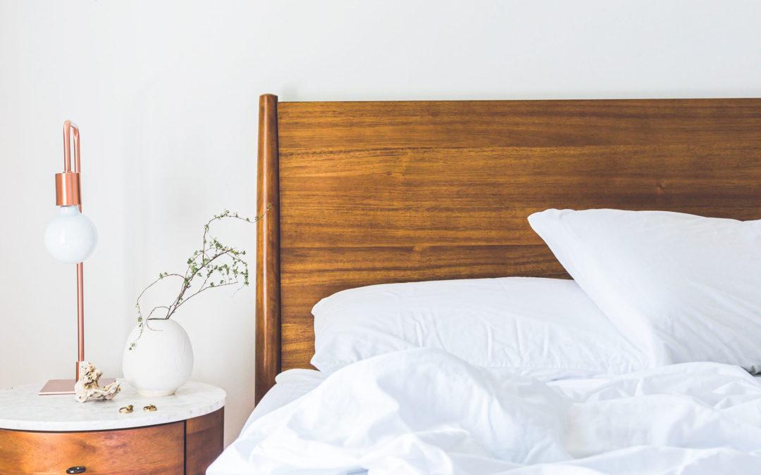 Schlaf als Luxus – und Augenringe ein It-Piece?