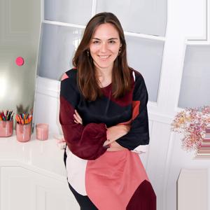 Victoria ist Squarespace-Expertin und bloggt zu Website-Tipps und Online-Branding. Das Ziel: Dich und deine Marke online sichtbar machen und auf ein neues Level heben!