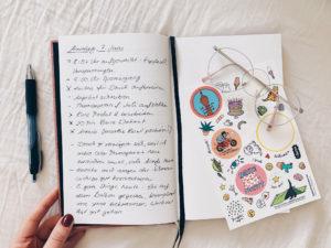 Alle reden vom Bullet Journal – was ist die Bullet Journal Methode und wie hilft sie dir? Hier findest du Tipps, Materialien und Ideen zum Durchstarten.